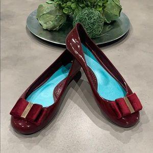 OKA B used woman's Ruby Red flats size 6